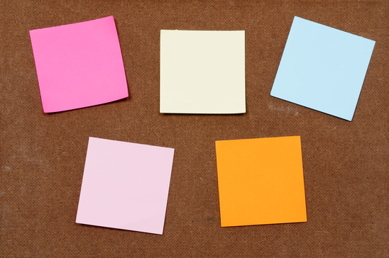 Multi-color post it notes for priority