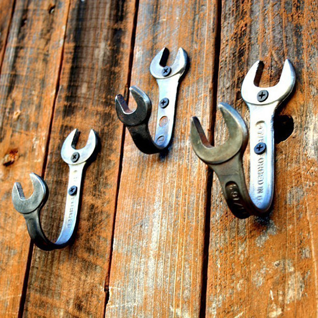 wrench hooks