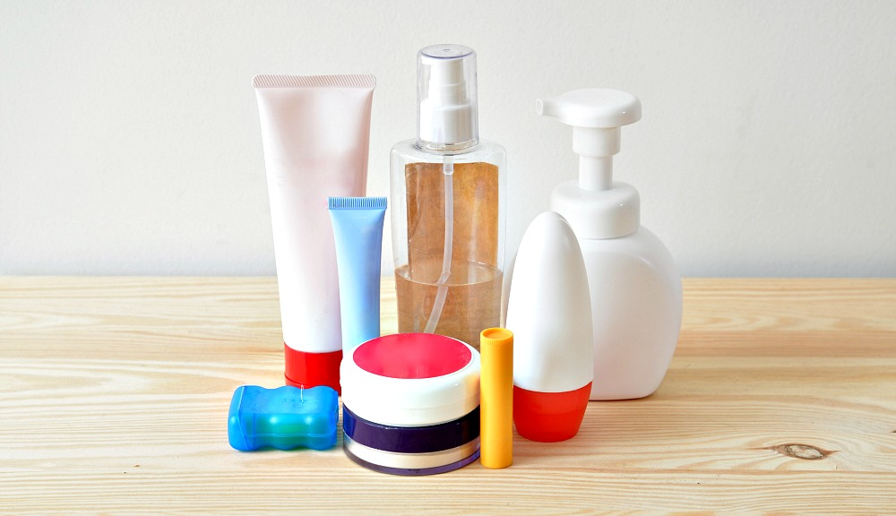 ultimate-guide-to-travel-toiletries-010